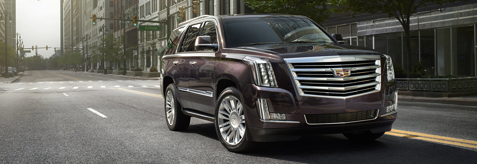 The 2015 Cadillac Escalade Platinum elevates luxury to new heights, with exquisite exterior detailing, additional Cut & Sewn interior materials and enhanced equipment.